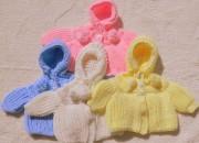 Renkli kapşonlu bebek hırkaları 2013