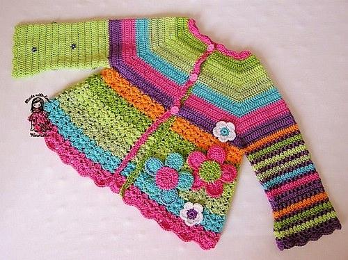 Renkli ve çiçekli bebek hırka modelleri