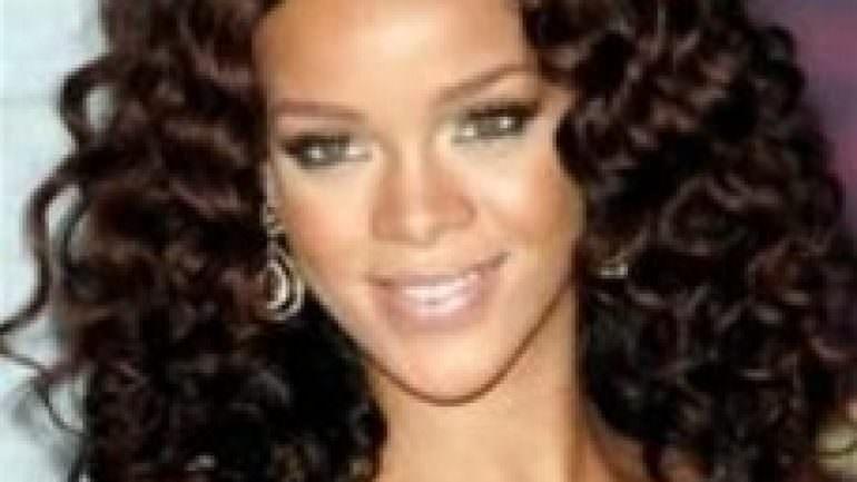 Rihanna Permalı Saç Modelleri