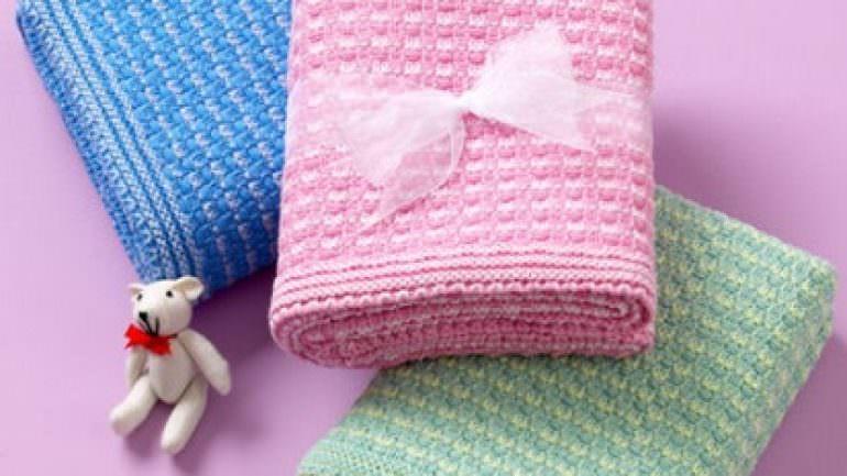 Makine Örgüsü Bebek Battaniyesi Modelleri