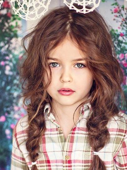 İki Yana Örgülü Kız Çocuk Saç Modelleri ve Yapılışları