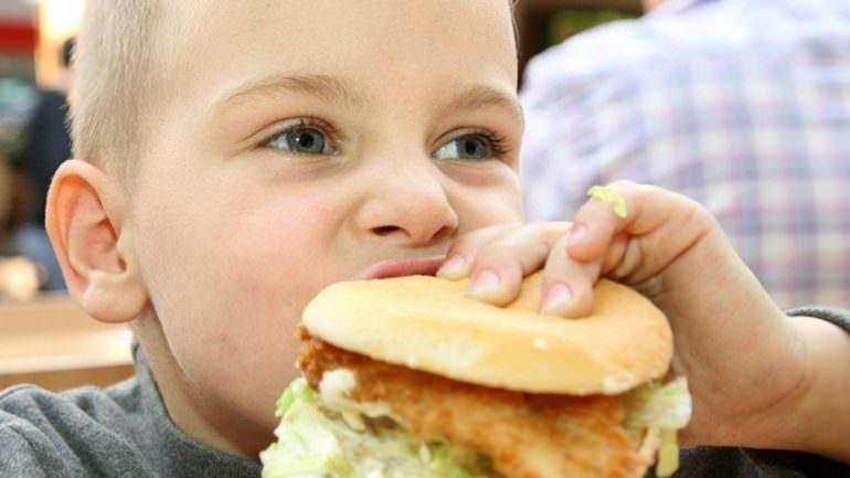 Çocukları Abur Cuburdan Uzak Tutmanın 5 Yolu