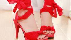 Bilekten Bağlanan Ayakkabı Modelleri