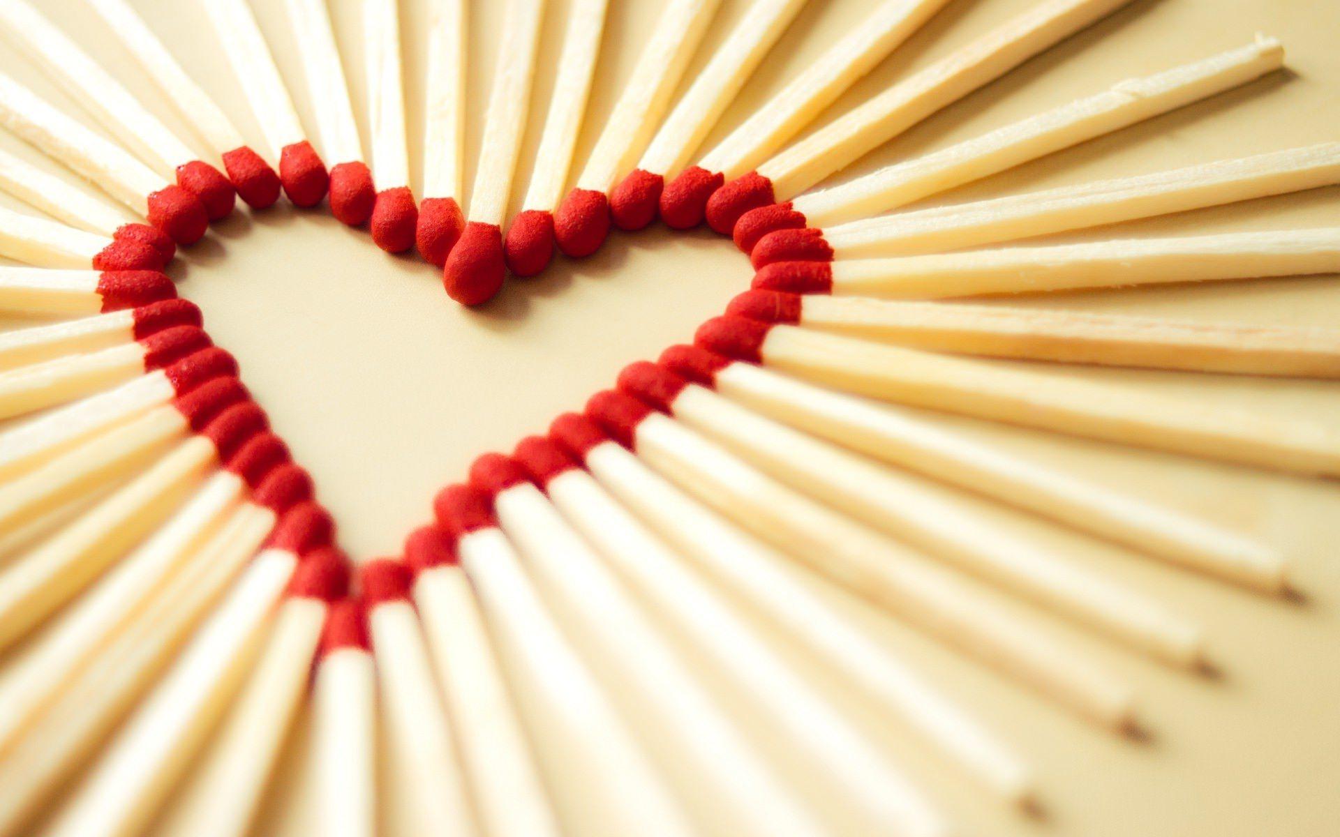 Ey Aşk Sen Nasıl Bir Şeysin?